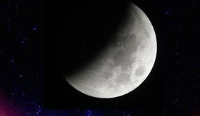 Lunar_eclipse_caleidoscope-2