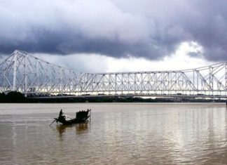 Monsoon_Howrah_Bridge_01_caleidoscope