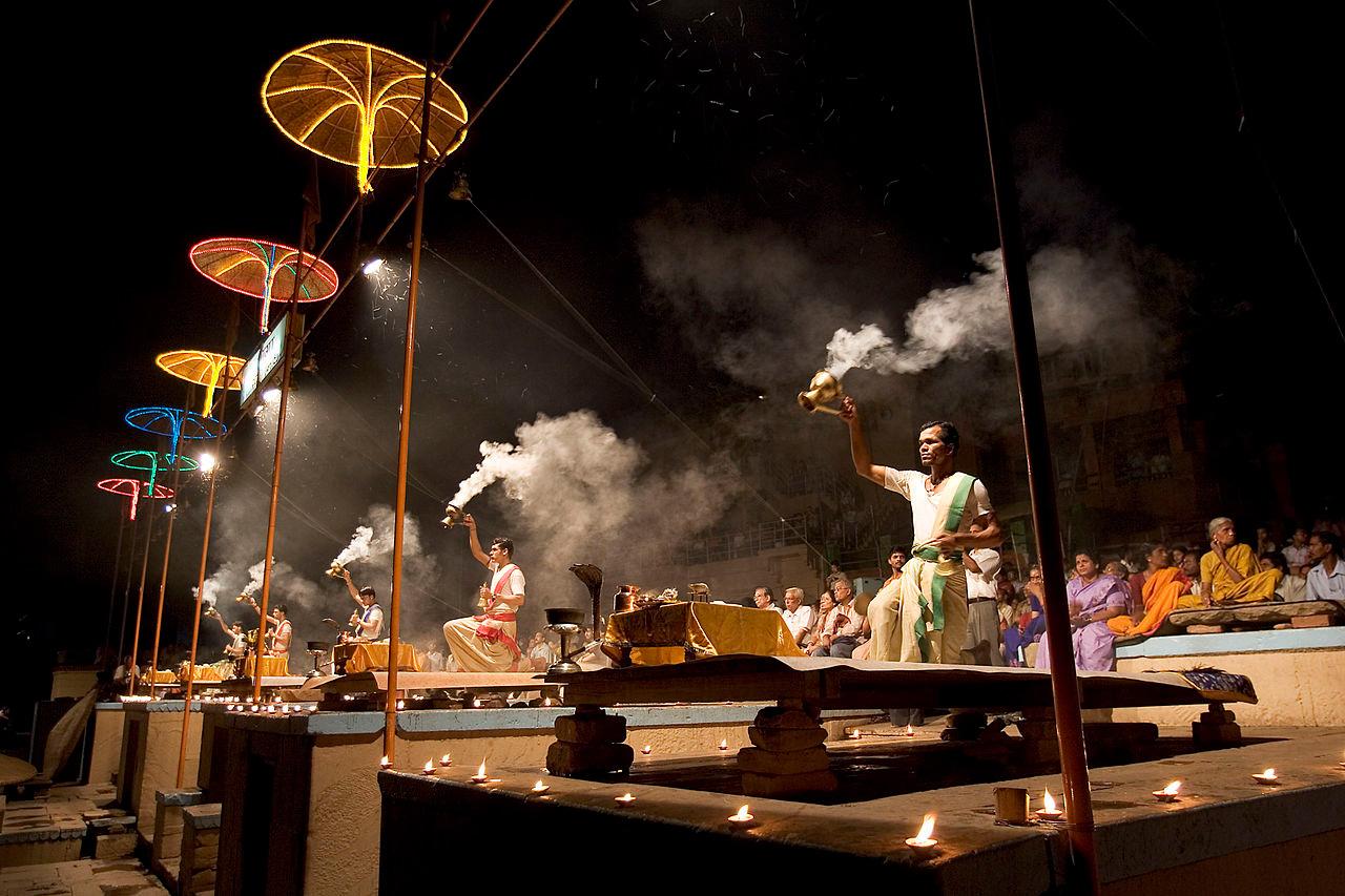 Varanasi_Ganga_puja_ceremony