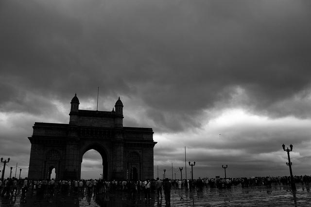 Cutting Chai And Vada Pav - Mumbai Monsoon