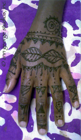 Mehndi African tribal henna