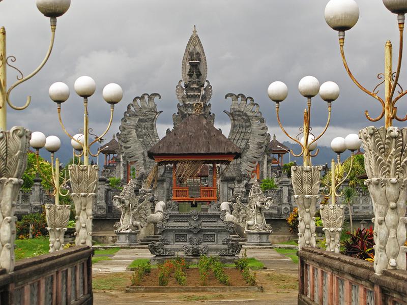 Bali-Hindu-Temple-in-Nugara