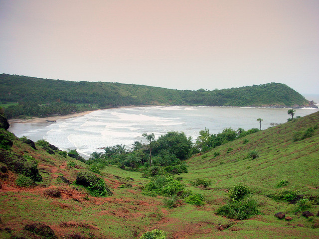 Kudle beach by Hari Shenoy