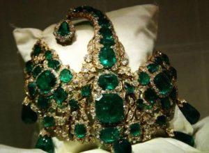 Famous treasure hunts in Indian history - Nizam's sarpench