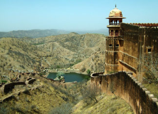 Treasure hunts in Indian - Jaigarh Fort near Jaipur