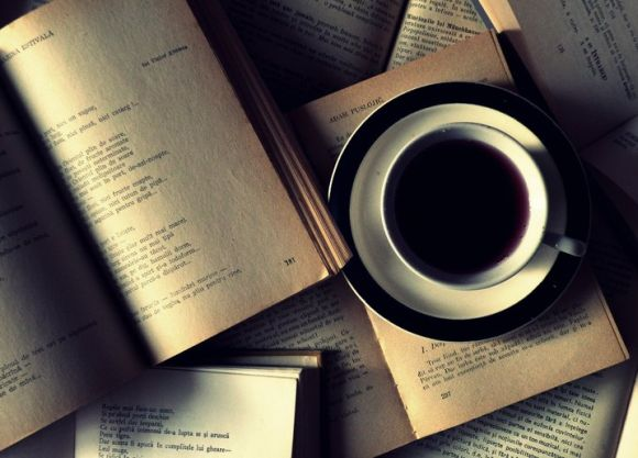 Books & coffee | Courtesy: xRrinei Deviantart