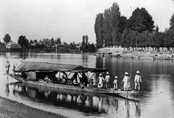 swami vivekananda at a houseboat in Kashmir