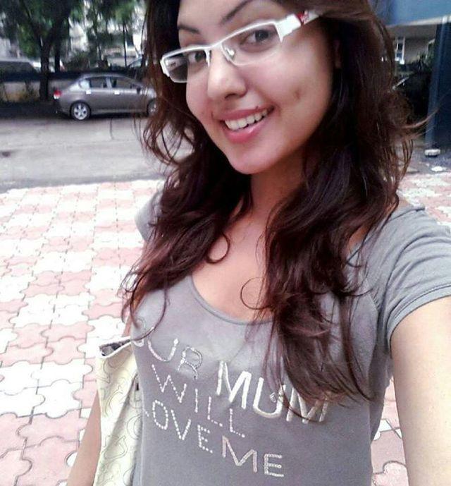 Komal Jha Selfie Via wikipedia.org