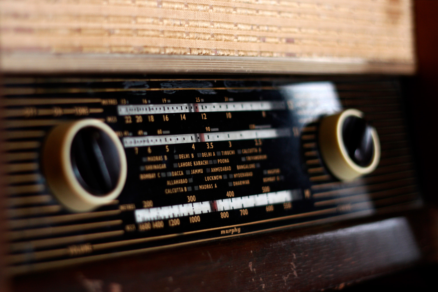 Old-Indian-Brands-that-Faded-Away-murphy-valve-radio