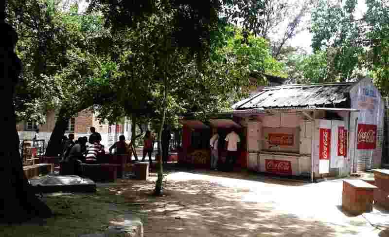 Delhi University - Law Faculty Tea place