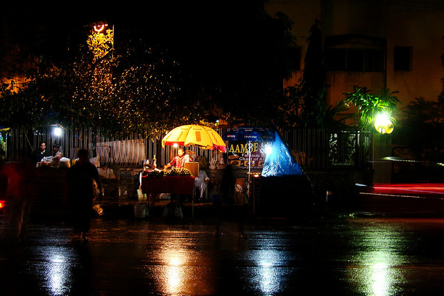 Rain Pictures - Street food