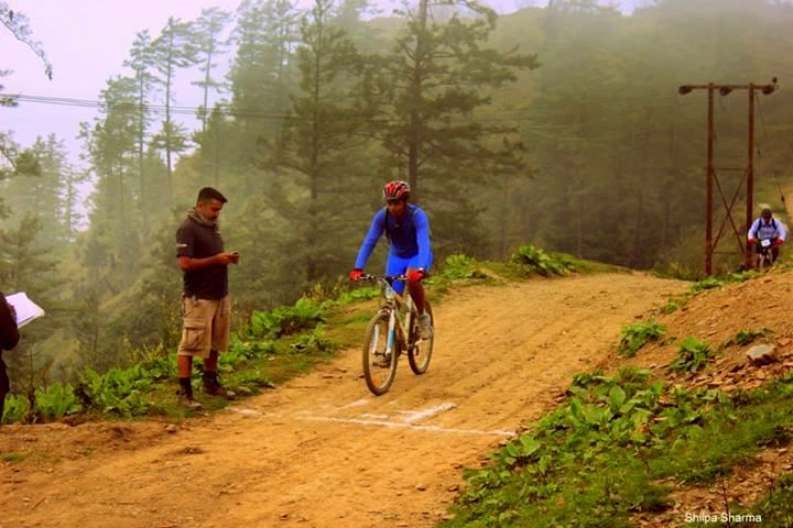 MTB-Himalaya - Bike marshals at time check posts