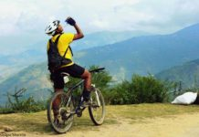 MTB-Himalaya - A brief stopover for a drink offers spectacular views