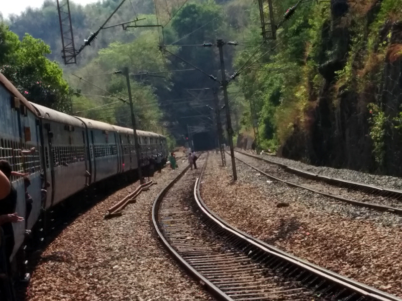 Borra-Caves-Train_View