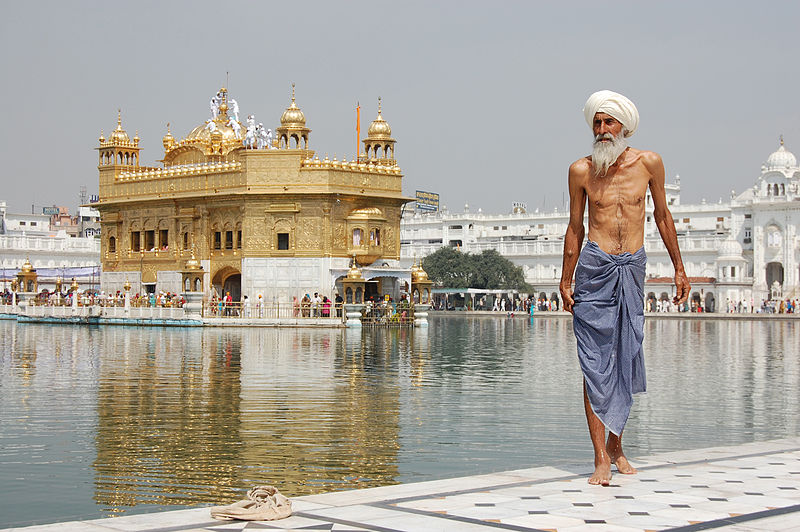 Monuments in India - Golden_Temple_in_Amritsar_India