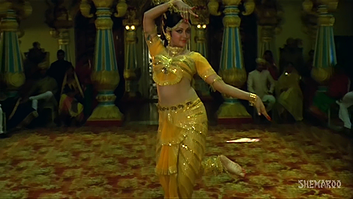 Set design in Indian cinema - Mehabuba-Hemamalini
