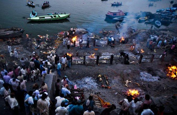 Hindu funeral rites-Benares