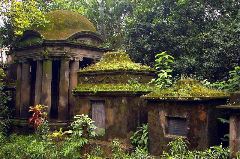 South-Park-Street-Cemetery-1