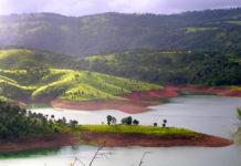 Umiam-Lake-or-Barapani-Lake-Shillong