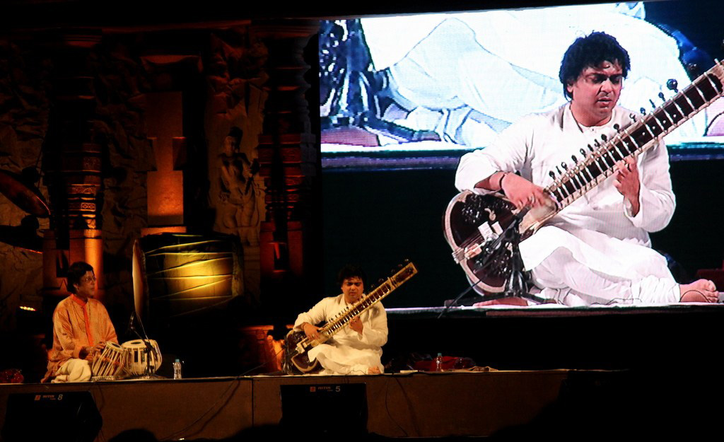 Vasantotsav-2014-Niladri-Kumar