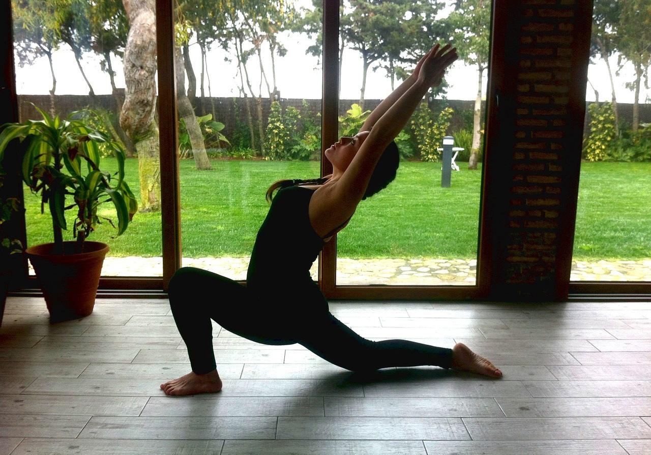 Holistic-Living-yoga