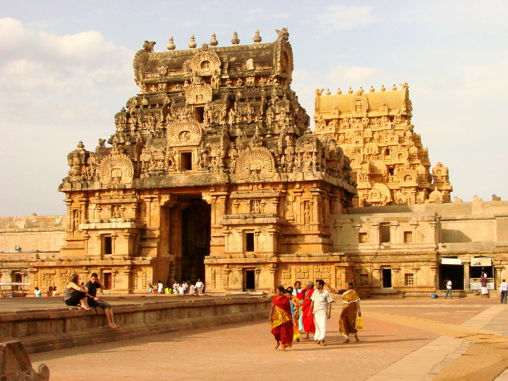 tamilnadu-tourist-places-Brihadishwara-Temple-Thanjavur