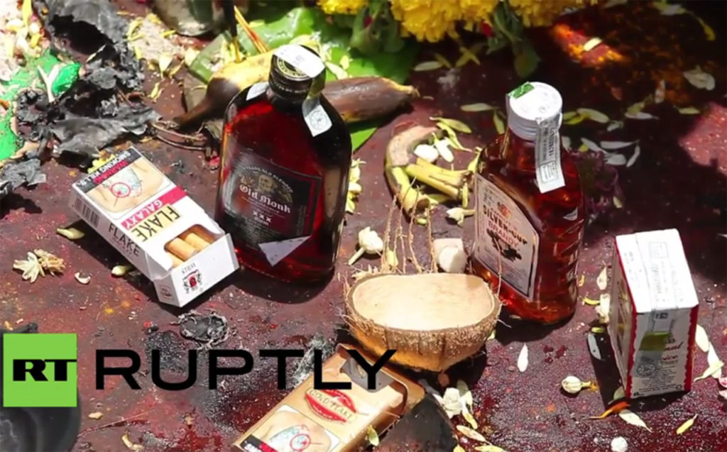Lord-Muneshwara-Karwar---Devotees-offer-cigarettes-alcoholic-drinks