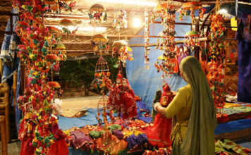 places-to-see-in-Delhi-Dilli-Haat