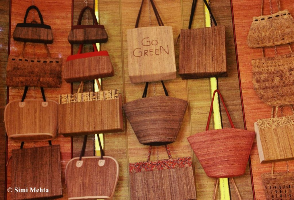 keralas-beautiful-eco-friendly-banana-fibre-handicrafts