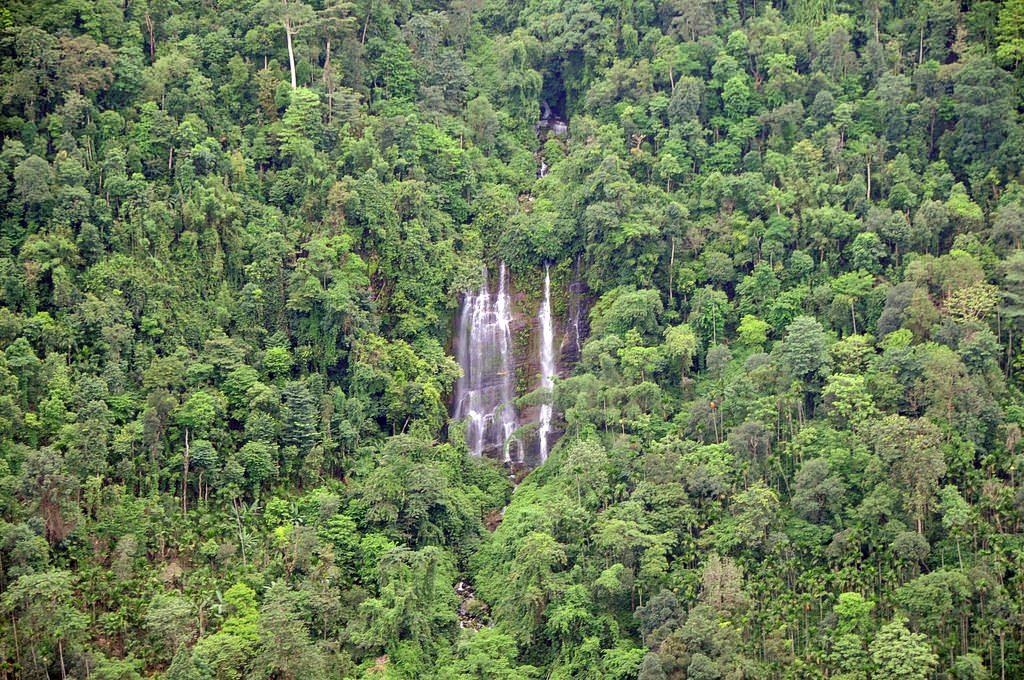 Waterfall-in-Meghalaya
