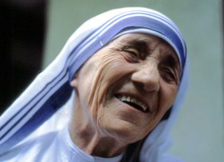Mother-Teresa-Gets-Sainthood