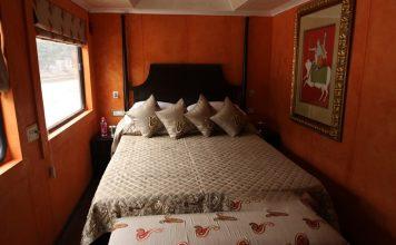palace-on-wheels-bedroom