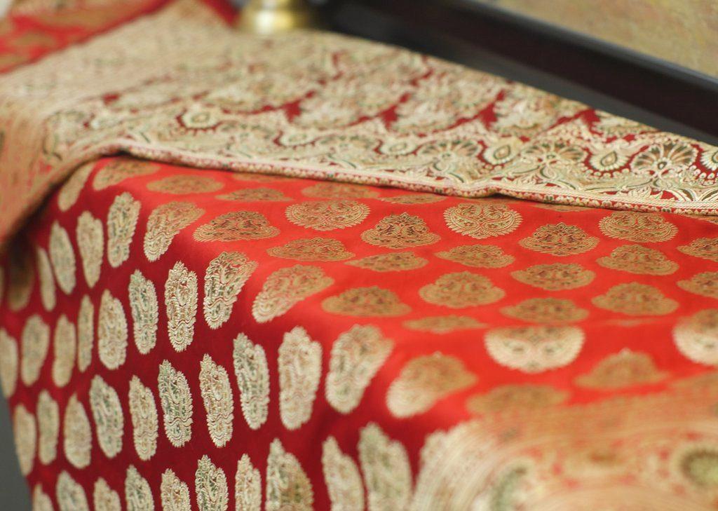 top-traditional-sarees-banarasi-saree-2