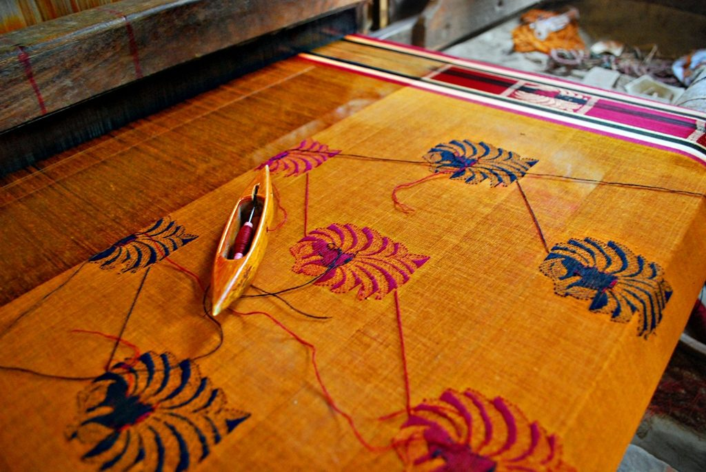 top-traditional-sarees-taant-or-tant-saree-from-west-bengal
