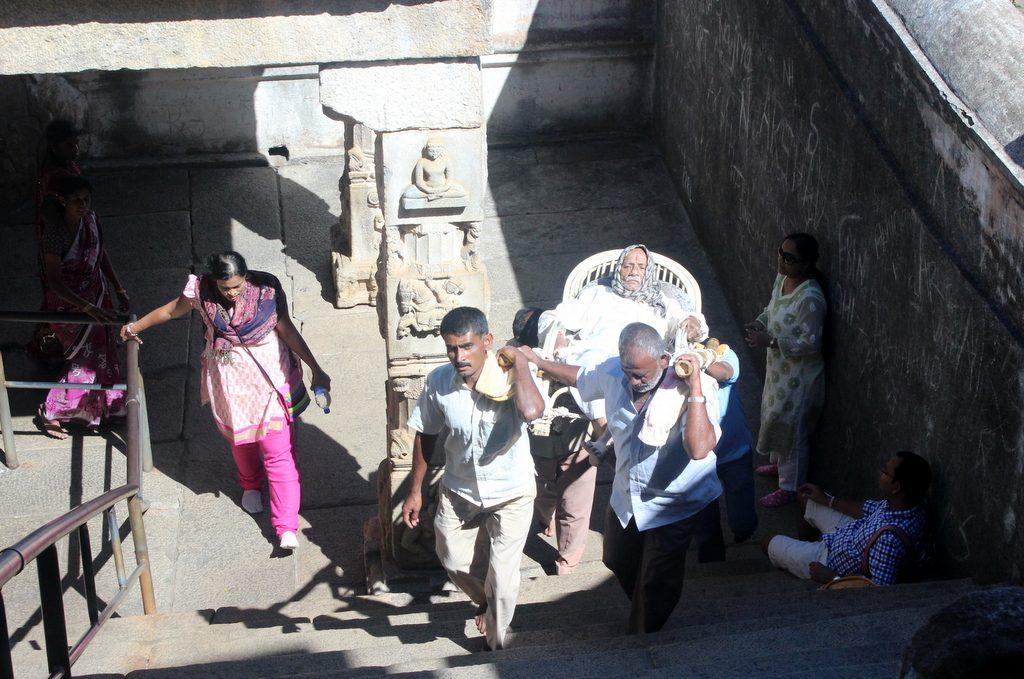 Shravanabelagola Jain pilgrims