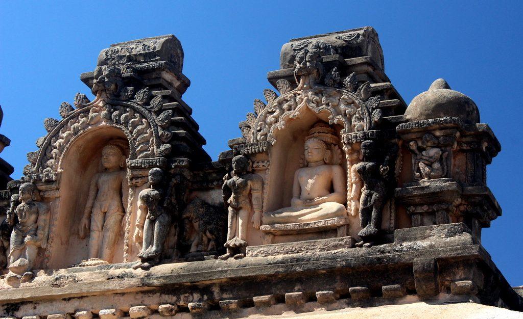 Shravanabelagola Jain sculptures in Basadi