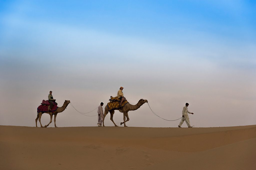 Beautiful-Offbeat-Places-in-India-Sam-Sand-Dunes,-Khuri