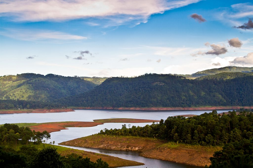 Best-Offbeat-Honeymoon-Destinations-Shillong