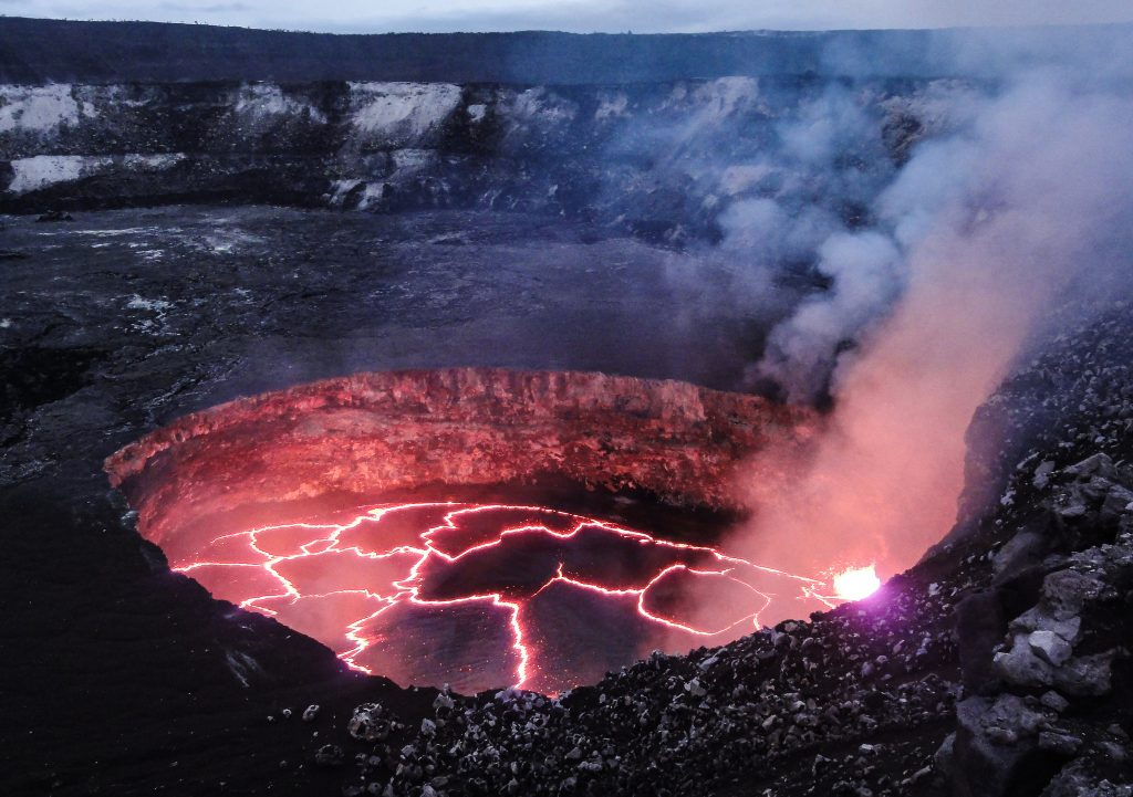 Top-Offbeat-Spots-in-Hawaii-The-Kilauea-volcano
