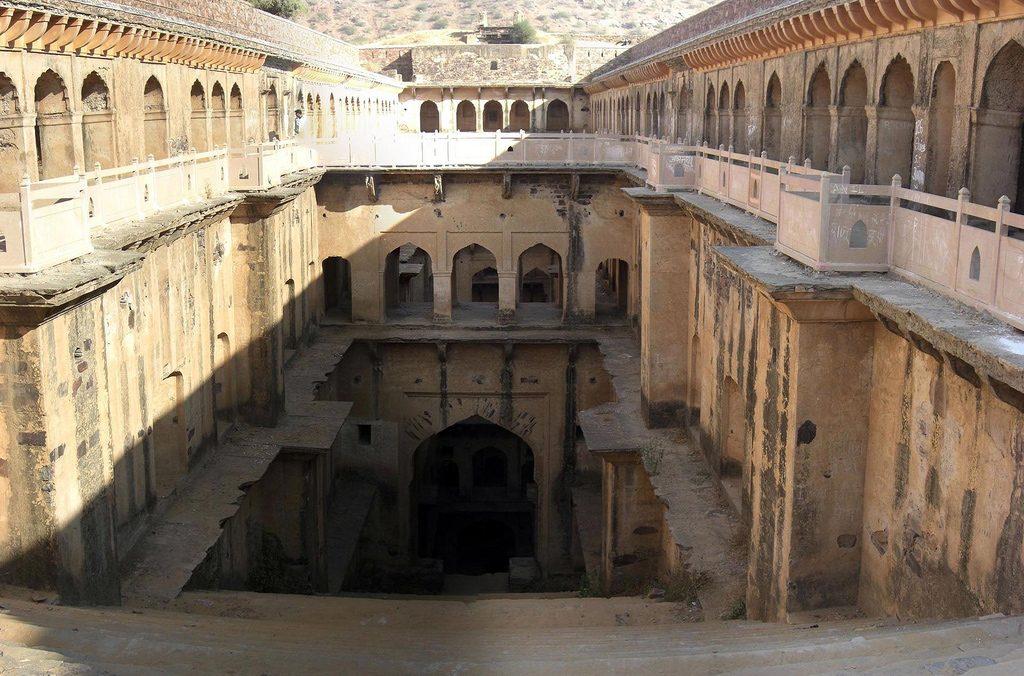 Rani-ki-Baoli-Step-Well
