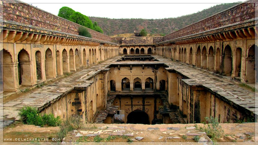 The-Rani-Ki-baoli-at-Neemrana