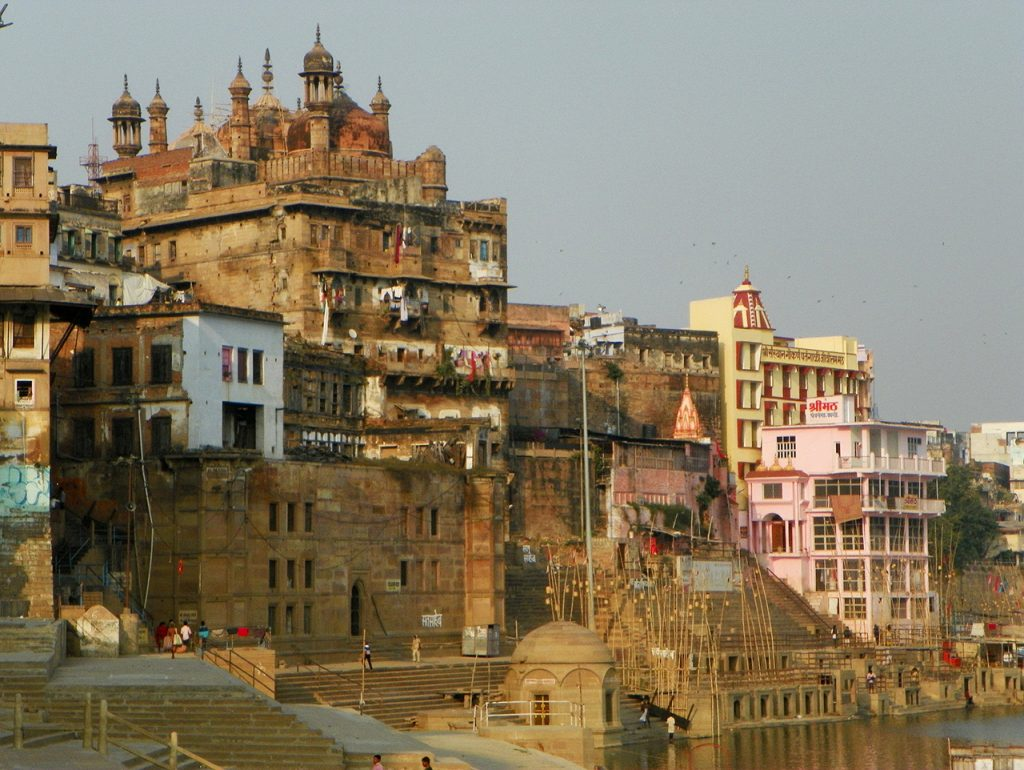 Best-Heritage-Walks-Tours-in-India-Varanasi