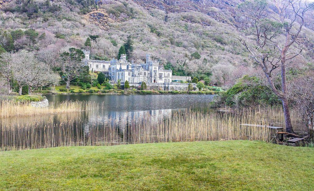 Destinations-Where-You-Can-Unwind-and-Rejuvenate,-Ireland