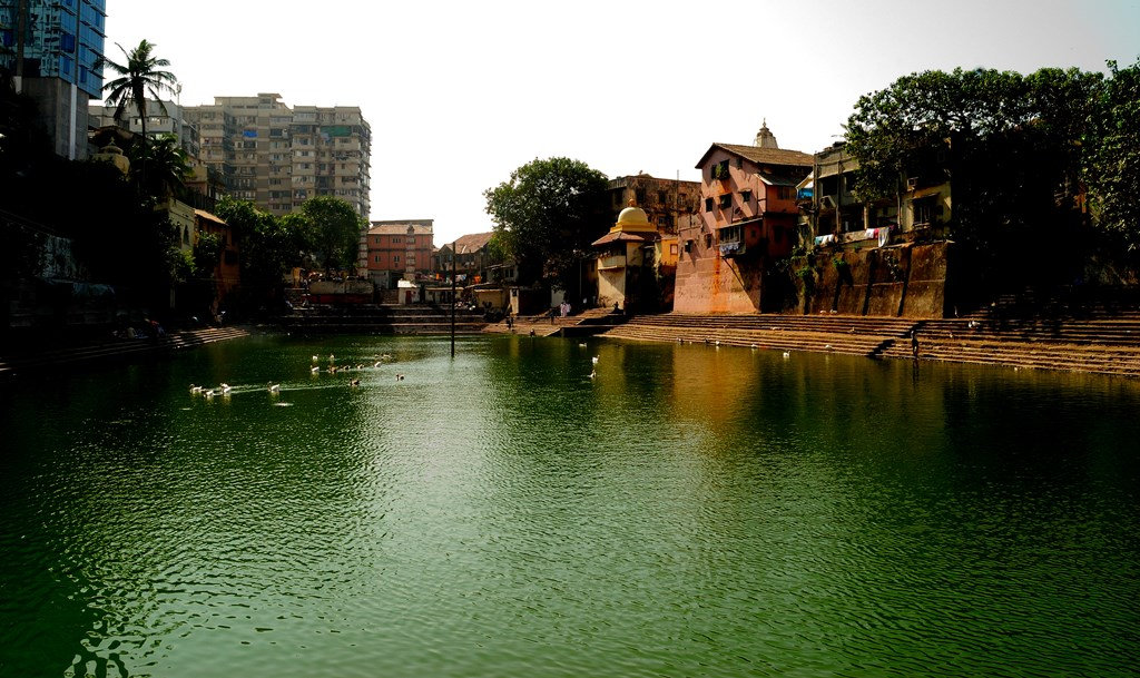 Peace and tranquility @ Banganga Tank