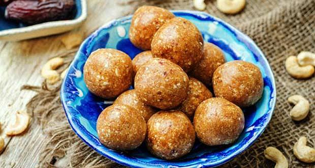 Cashew-Balls