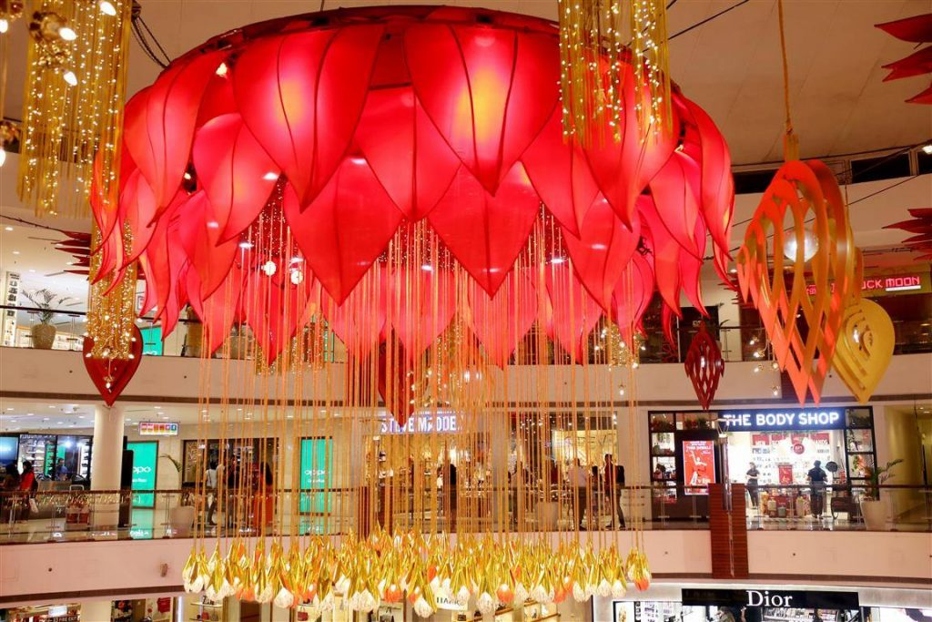 Places-in-Delhi-To-Buy-Perfect-Diwali-Gifts-01