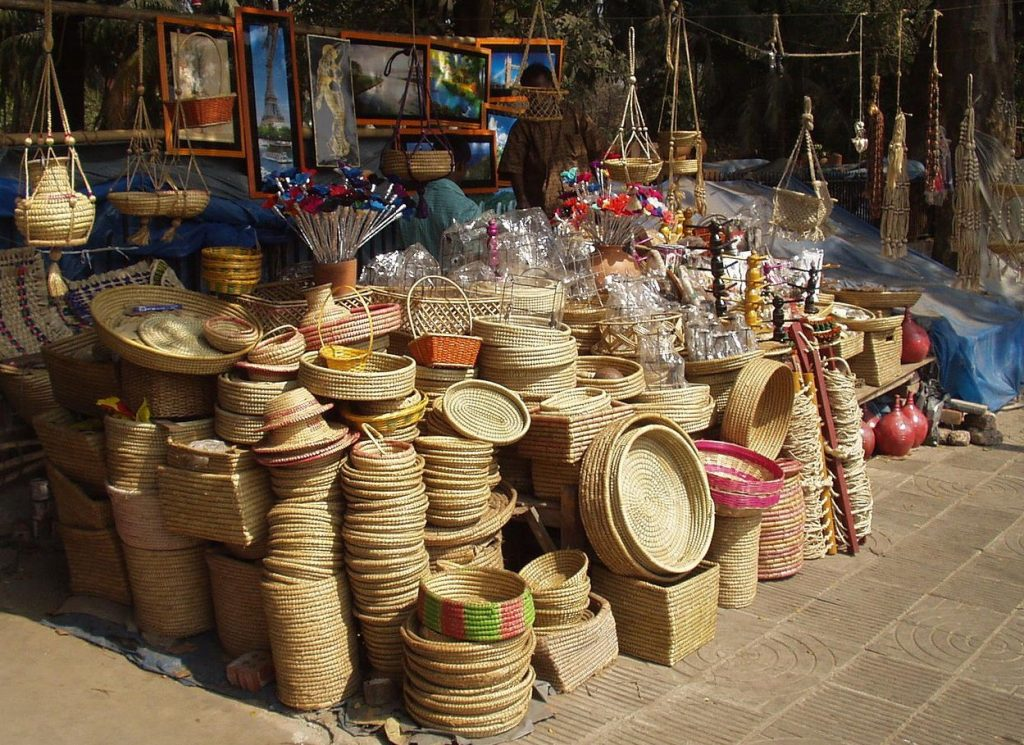 Places-in-Delhi-To-Buy-Perfect-Diwali-Gifts-04