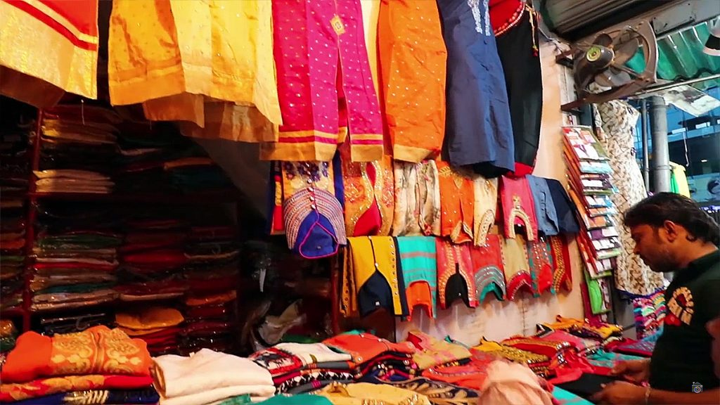 Places-in-Delhi-To-Buy-Perfect-Diwali-Gifts-05