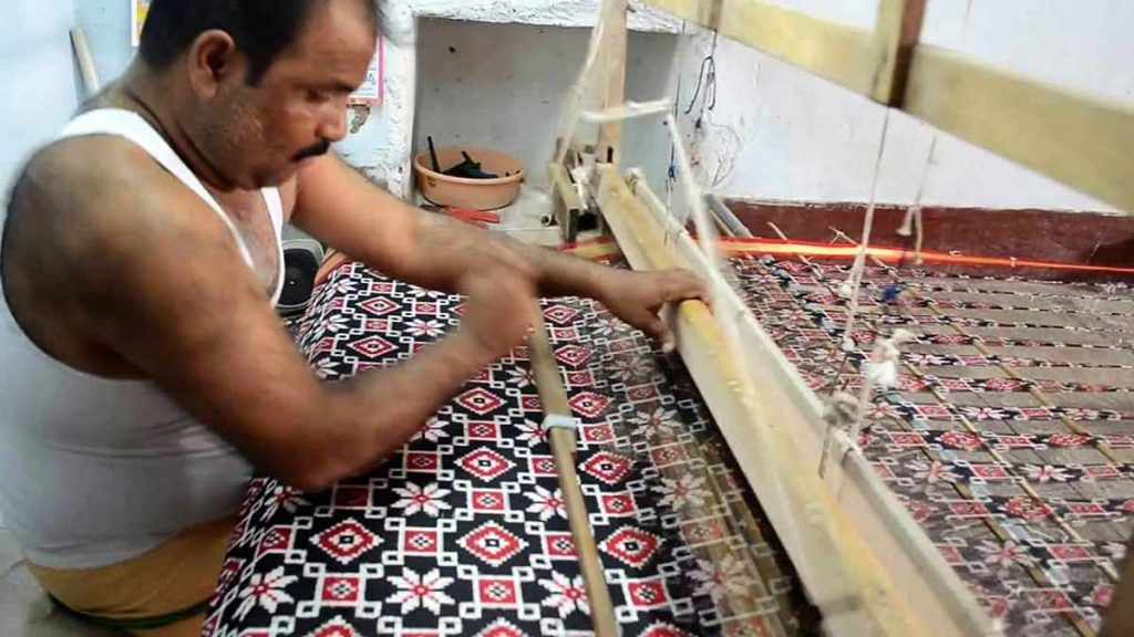Ikat-Weavers