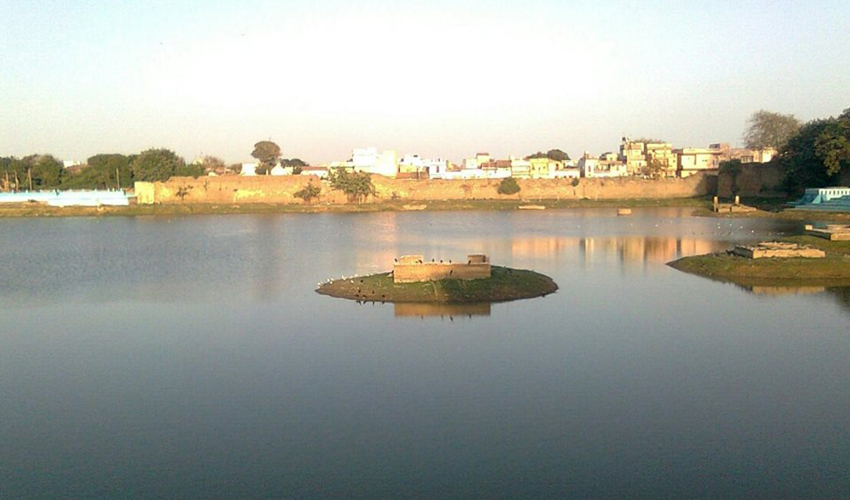 Topansar Lake